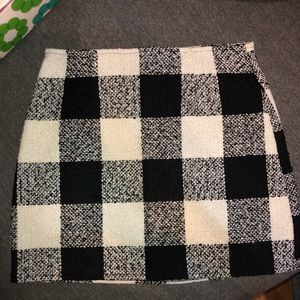 Black & White tweed skirt